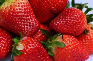 strawberries-1318077_1920